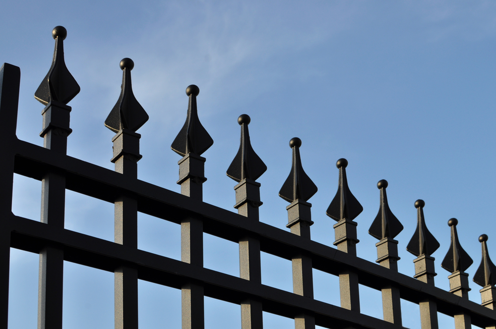 Dealing With A Fencing Contractor In Nassau County Without Feeling Overwhelmed