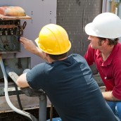 Three Reasons to Contact HVAC Repair Contractors ASAP