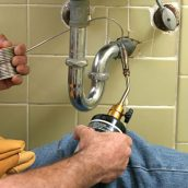 Do Not Try To Tackle Plumbing Problems Yourself