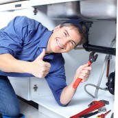 Using An Emergency Plumber In Jacksonville, FL To Unclog A Drain