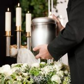 Purchasing the Right Caskets and Urns in Debary, FL Is the First Step to Making Sure the Funeral Runs Smoothly