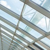 What You Can Expect From the Best Providers of Commercial Glass Window Services