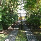 What to Look For in Driveway Gate Installations
