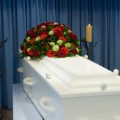 3 Ways That Residents Benefit From Funeral Pre-Planning in Parkville