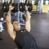4 Tips To Help You Pick Out a Personal Gym Trainer