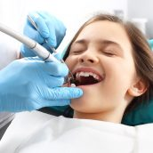 How Dentists in Smithfield RI Perform an Initial Dental Visit