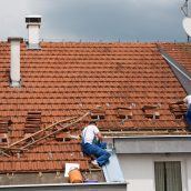 Reasons To Hire a Company Specializing in Roofing Services in Des Moines IA