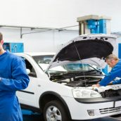 What You Should Know When Choosing a BMW Mechanic in Chicago